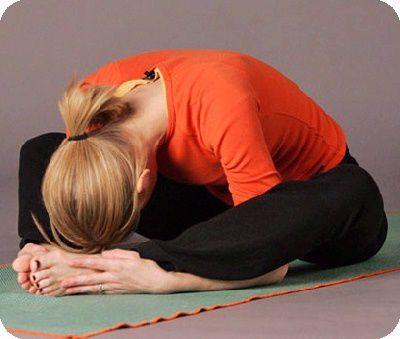 posture de yoga la tortue